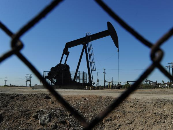 Precio del barril de crudo subió 1,22 % y cerró en 61,34 dólares