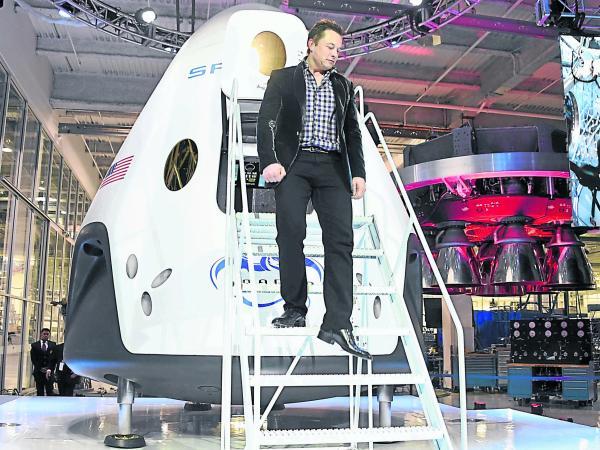 Elon Musk, quien quiere realizar el primer viaje a Marte en la próxima década.