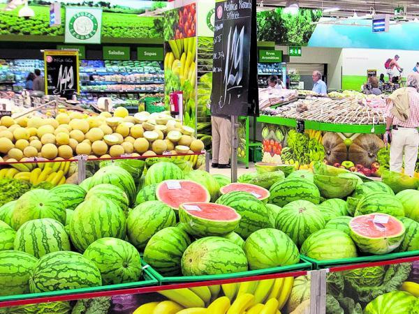 Importaciones y contrabando amenazan a los fruticultores