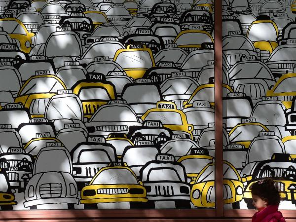 Prohiben pedir taxis con 'smartphones' en Nueva York