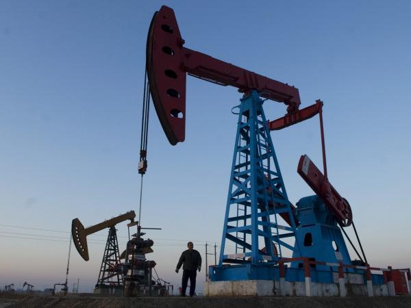 Producción de petróleo descendió 6 % en mayo