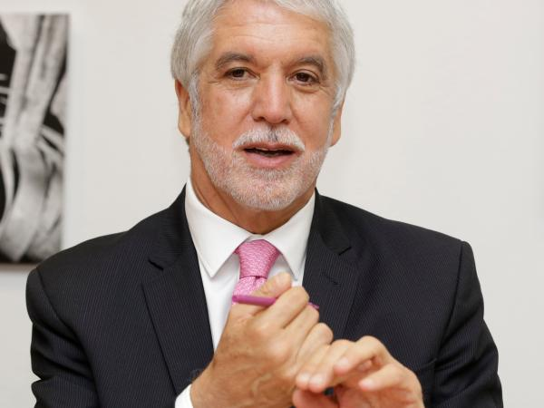 Investigan fiscalmente al alcalde Peñalosa por no usar estudios del metro