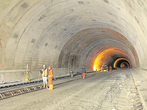 Confis aprueba $133.000 millones para terminar el túnel de La Línea