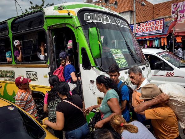 La travesía por siete estados venezolanos para abastecerse en Cúcuta - m.portafolio.co