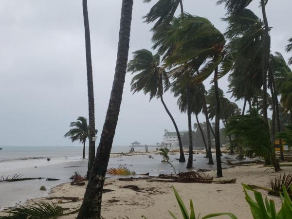 Devastación en San Andrés y Providencia tras el paso del huracán ...