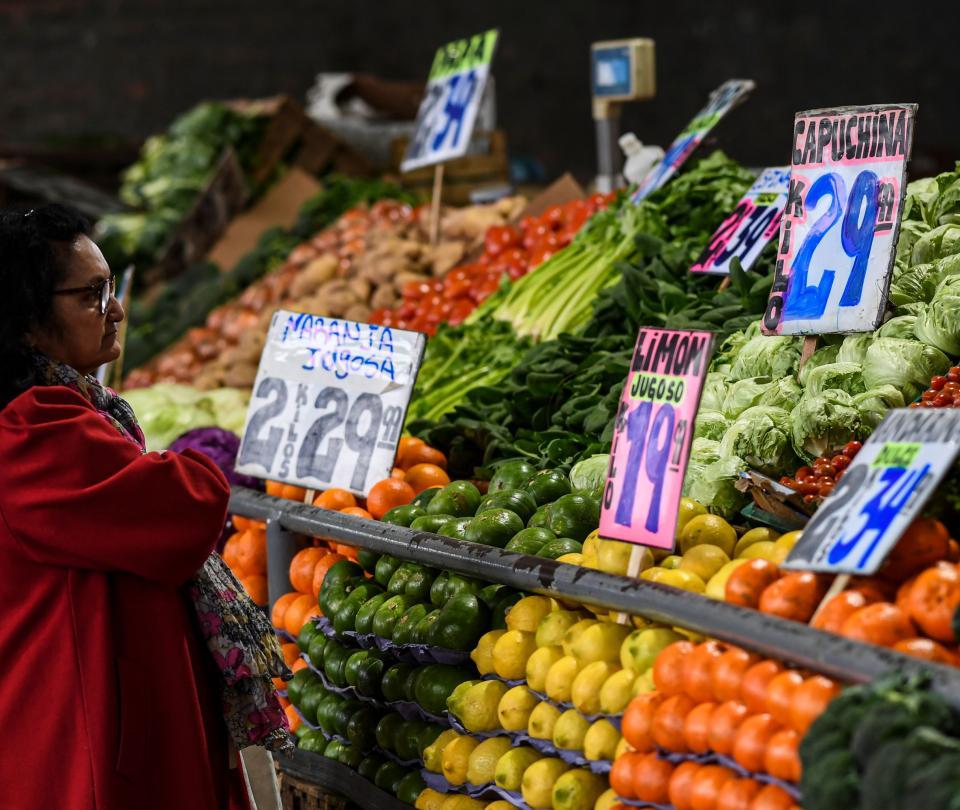 Bancos centrales de la región luchan para controlar la inflación thumbnail