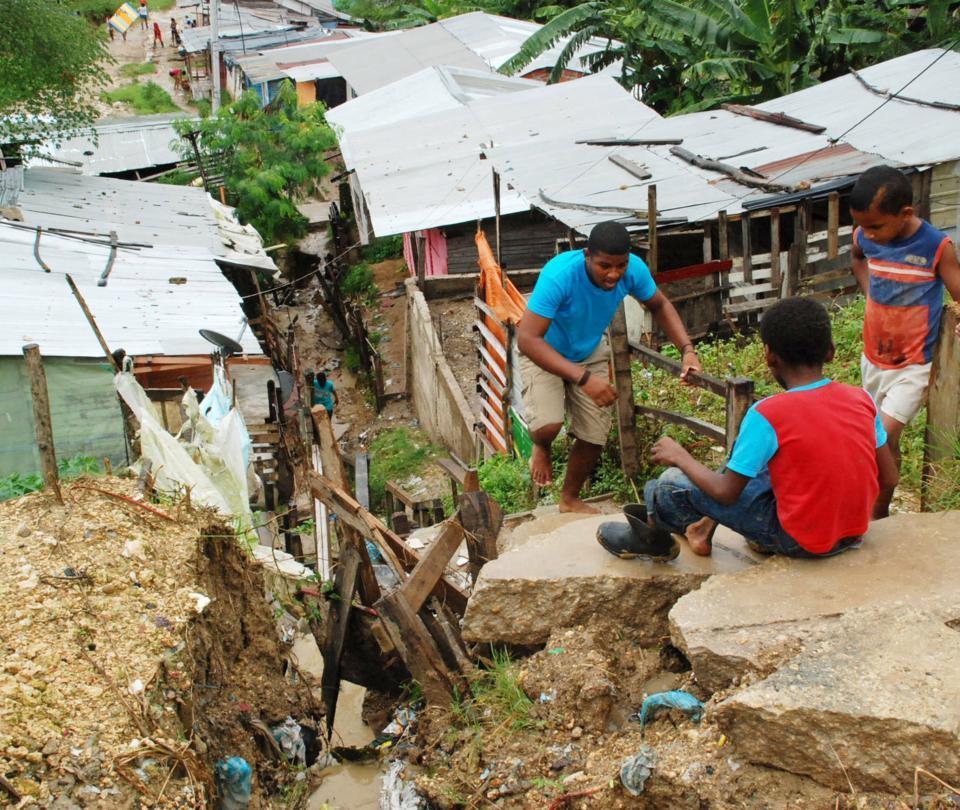 Regiones Pacífico y Central, con la mayor concentración de la pobreza   Economía   Noticias de Buenaventura, Colombia y el Mundo