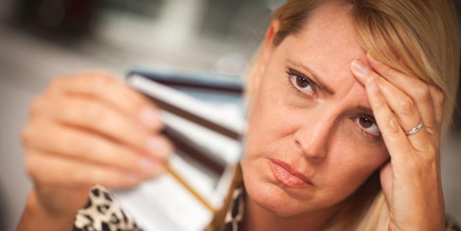 Lo ideal sería manejar dos como mucho, para que las líneas de crédito estén en relación al ingreso y las cuotas que vayan a pagarse sean equilibradas.