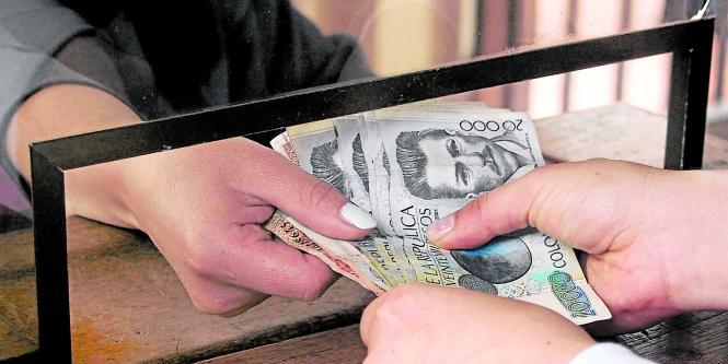 Para mover dinero las oficinas siguen siendo las for Oficinas y cajeros