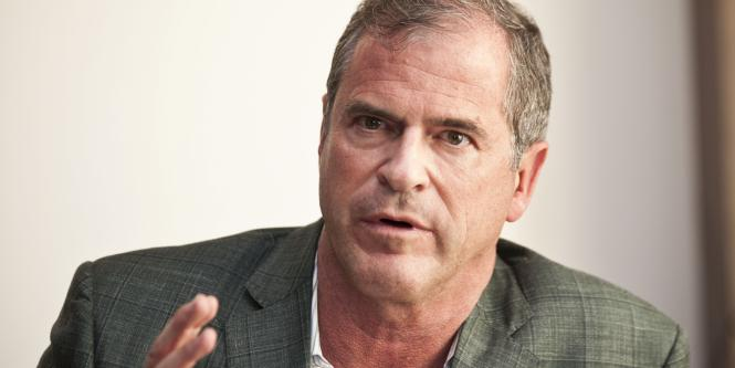 James M. Loree, CEO de Black and Decker.