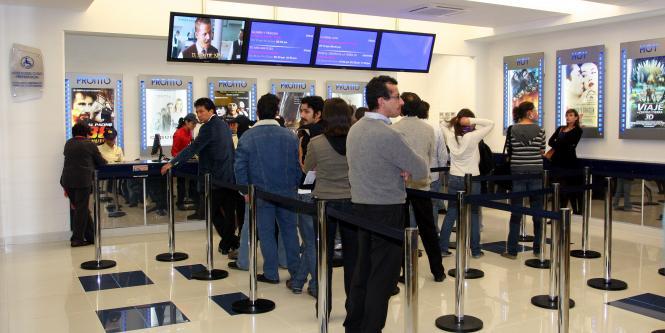 Cine colombia en competencia 4d con cin polis empresas for Sala 4d cinepolis