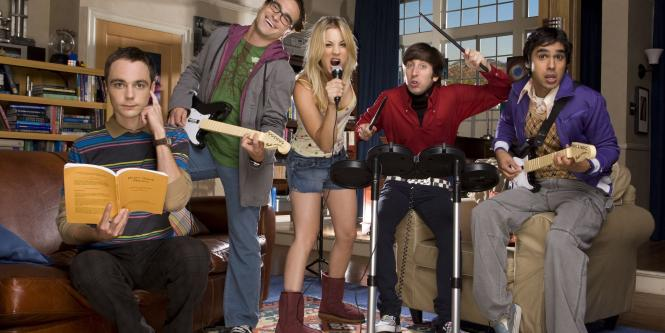 Sheldon, Leonard, Penny, Howard y Raj son los personajes que protagonizan The Big Bang Theory.