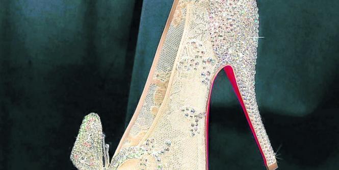 Zapatos Cenicienta Louboutin Presentan Y Walt De Tendencias Disney RYcfxwEUWn