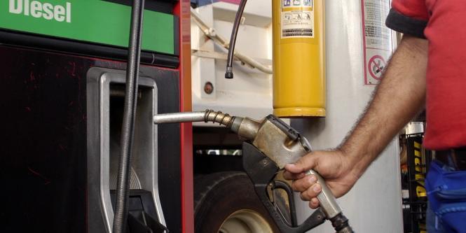Precio de la gasolina sube