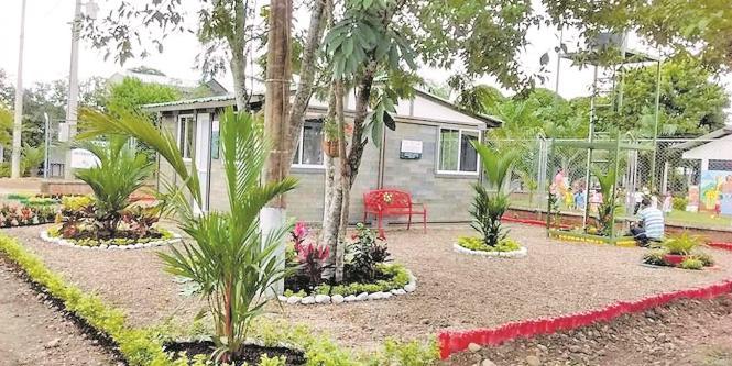 la empresa ha hecho viviendas salones y refugios grandes busca masificar su modelo