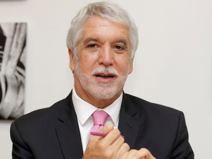 Abren proceso de responsabilidad fiscal contra Enrique Peñalosa y Andrés Escobar