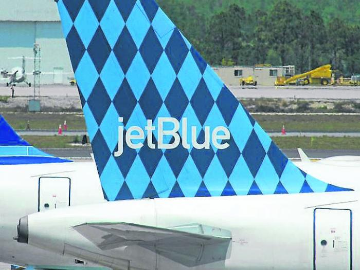 Viva Colombia y JetBlue, interesadas en A. Central