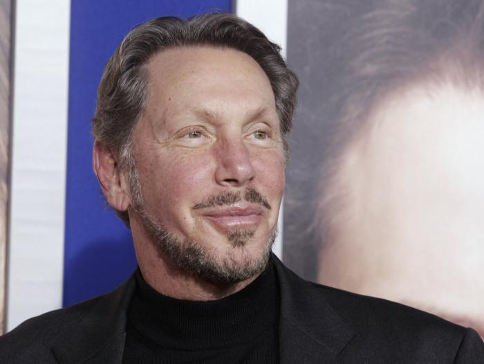 Larry Ellison, fundador de Oracle, estudió en Illinois y Chicago, pero en ambas abandonó la carrera.