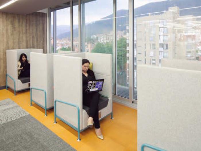 Microsoft estrena nueva oficina en medell n empresas for Oficinas de microsoft