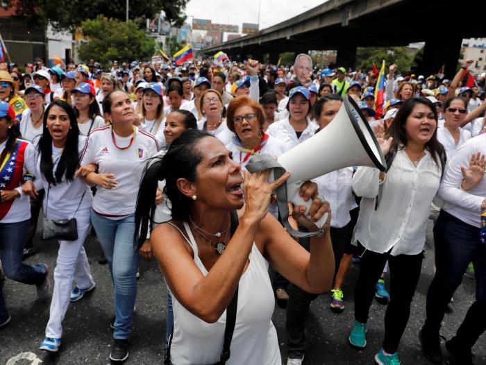 Resultado de imagen para venezuela mujeres chavistas