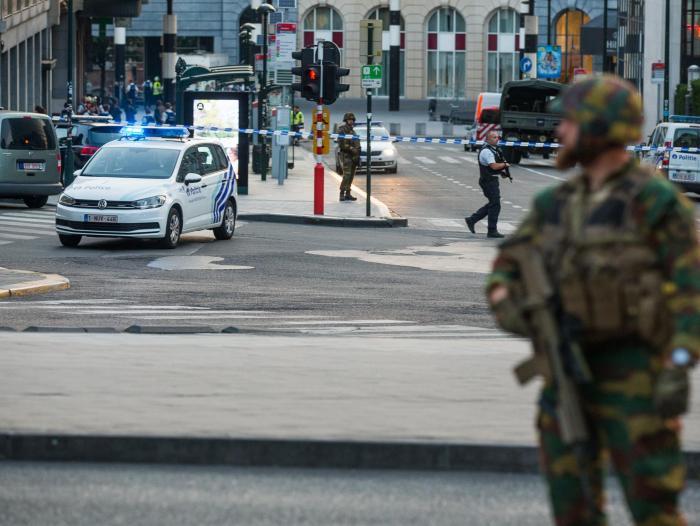 Evacuan Estación Central de Bruselas tras pequeña explosión — AMPLIACION