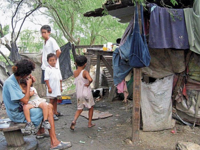 Resultado de imagen para pobreza en colombia