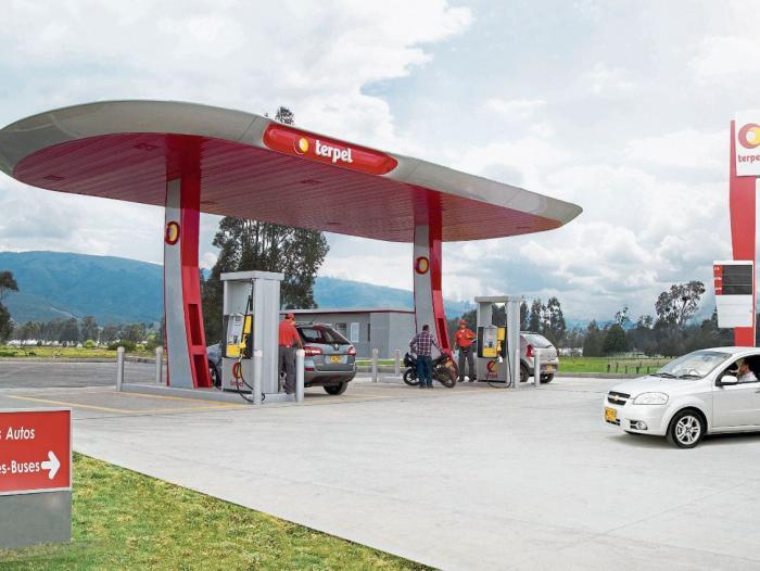 Terpel moviliza 455.000 galones de combustible al día en los aeropuertos del país.