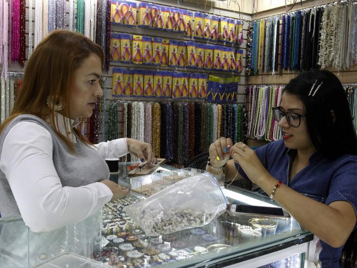 e8635c0e44ea El negocio de bisutería que no para de vender en Medellín