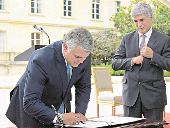 Simplificar las normas es uno de los objetivos del Gobierno del presidente Duque.