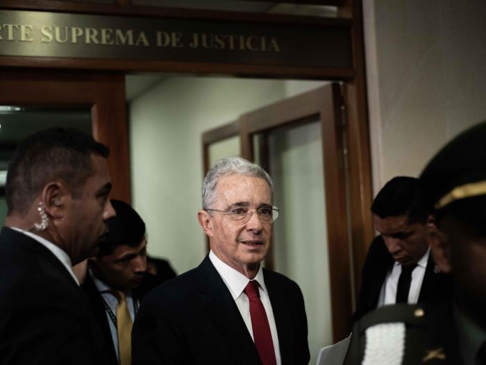 Corte Suprema de Justicia impuso multa a Álvaro Uribe Vélez   Tendencias    Portafolio