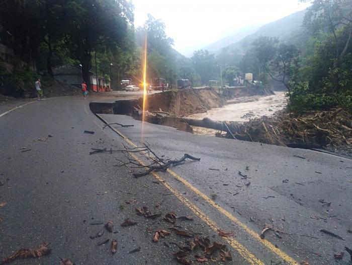 Milagroso Rescate Tras Avalancha En Piedecuesta Santander Mas Contenido Portafolio