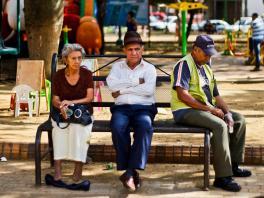 Economia De La Tercera Edad Soluciones Al Caso Colombiano Analisis