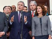 El presidente Duque con por Ernesto Macías, presidente del Congreso, y Nancy Patricia Gutiérrez, del Mininterior.