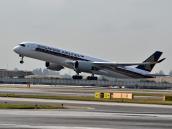 Tras 18 horas, toca tierra el vuelo comercial más largo del mundo